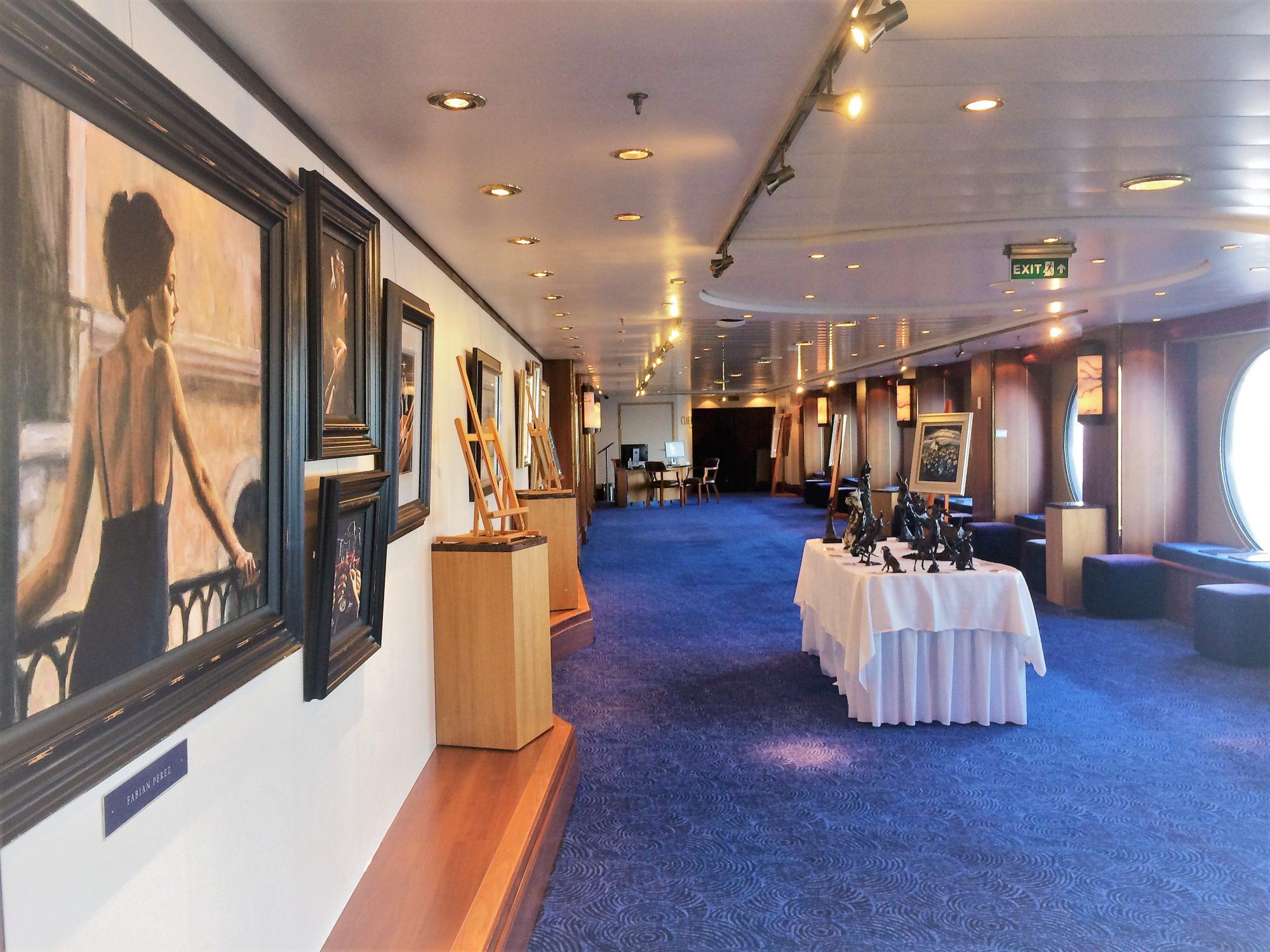 Queen Mary 2 art gallery